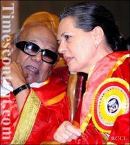 M Karunanidhi & Sonia Gandhi