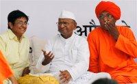 Anna's dubious friends:  Kiran Bedi & Swami Agnivesh