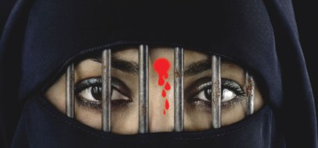 This is what happens to stupid Hindu girls who run after Muslim boys with money!