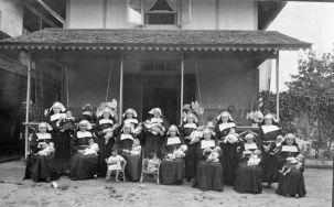 Roman Catholic nuns in Kalimantan (1915-1935)