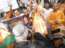 Hare Krishnas rallying at Russian Consulate in Kolkata.