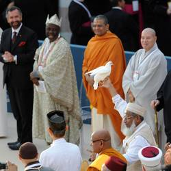 Rajmohan Gandhi at Assisi on 27/10/2011