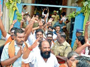 Hindus protest the appointment of Nithy as Madurai Aadheenam pontiff.
