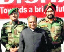 Gen. V.K. Singh (L), Defence Minister Antony & Lt-Gen. Bikram Singh (R)