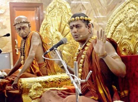 Nithy and the Paramacharya of Madurai Aadheenam