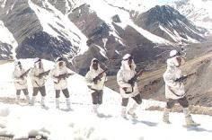 Indian Army patrolling the Siachen Glacier.