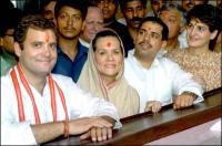 Rahul, Sonia, Robert & Priyanka.