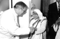 Fr Donald McGuire SJ & Mother Teresa MC