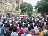 Muslims riot in Mumbai 2012