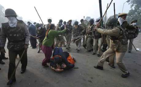 Delhi police lathi charge unarmed women protesters