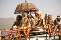 Mahatma going to bathe at the Sangam