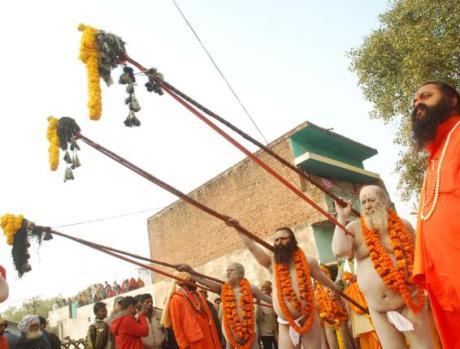 Sannyasi puja at the Triveni Sangam