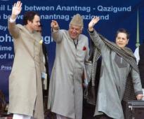 Omar Abdullah, Farooq Abdullah & Sonia Gandhi: Good-bye Pandits! Have a nice day!