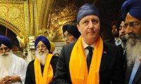 David Cameron visits Golden Temple at Amritsar