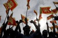 Srilankans celecbrate the defeat of the LTTE