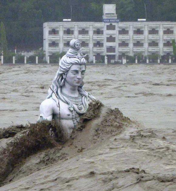 Essay on importance of hindi language in india in hindi   metricer com Essay terrorism global problem   gumannaja pedagogika ru best non fiction essays       Natural Disasters Essay
