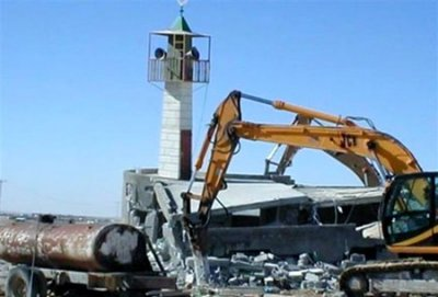 Angola destroys mosques, ban Islam.