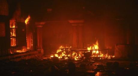 Hindu temple burned in Larkana, Pakistan