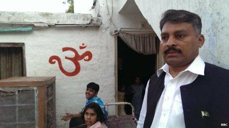 Ashok Chand and his children in Rawalpindi