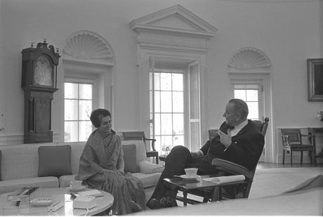 Indira Gandhi meeting President Lyndon B. Johnson in the Oval Office on 28 March 1966