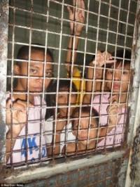 Street children in a Manila prison.