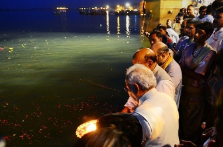 Modi does Ganga Puja (May 17, 2014)