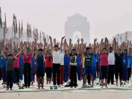 School children doing yoga on the Rajpath, New Delhi