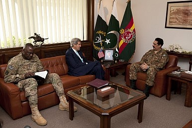 John Kerry & Pak Military