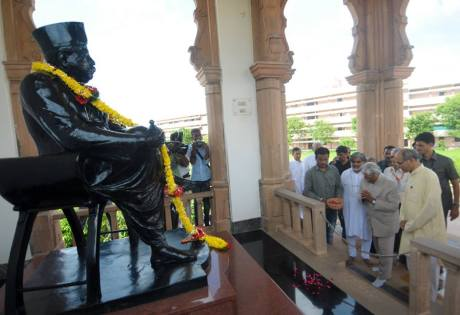 A.P.J. Abdul Kalam at RSS headquarters in Nagpur