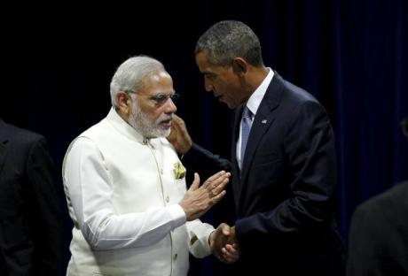 U.S. President Barack Obama shakes hands with India's Prime Minister Narendra Modi during their meeting at the United Nations General Assembly in New York September 28, 2015. REUTERS/Kevin Lamarque