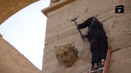 ISIS vandalising Hatra, Iraq