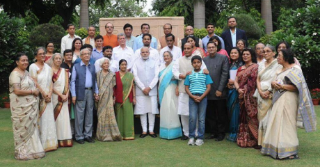 Modi with Bose family in New Delhi (14 Oct 2015)