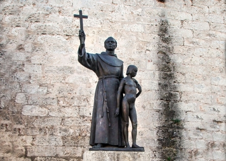 Junipero Serra monument in Havana