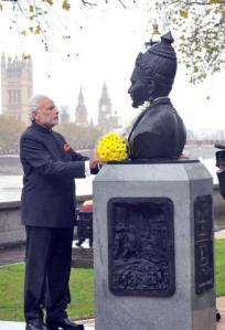 Modi unviels Basaveshwara statue in London