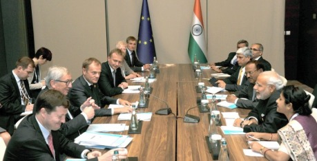 ANTALYA, NOV 16 (UNI)- Prime Minister, Narendra Modi (2nd R) with the President of the European Council, Donald Tusk and the President of the European Commission, . Jean Claude Juncker in a bilateral meeting, on the sidelines of G20 Summit 2015, in Turkey on Sunday. UNI PHOTO-17U