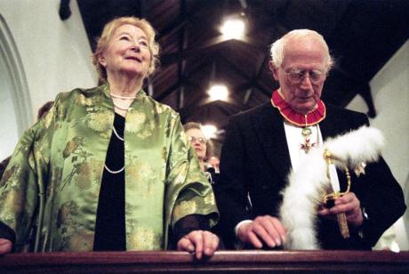 Anna-Teresa Tymieniecka and husband Hendrik Houthakker (2003)