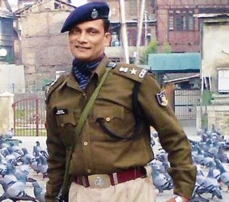 CRPF Commanding Officer Pramod Kumar killed by Pak terrorists in Srinagar on 15 August 2016