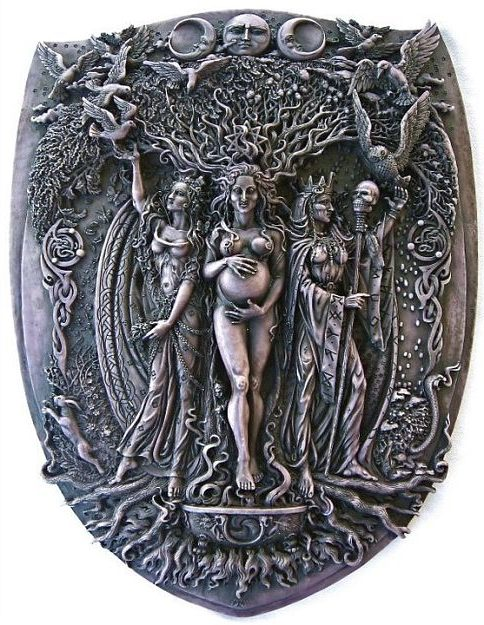 Goddess : Maiden, Mother & Crone
