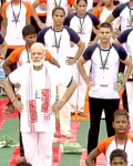 Modi leads Yoga Day Lucknow 2017