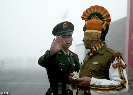 Chinese and Indian soldiers face off on Doklam Plateau (Bhutan)