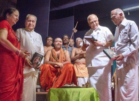 R. Nagaswamy with Kanchi Shankaracharya