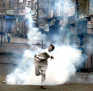 Kashmiri Stone Pelter