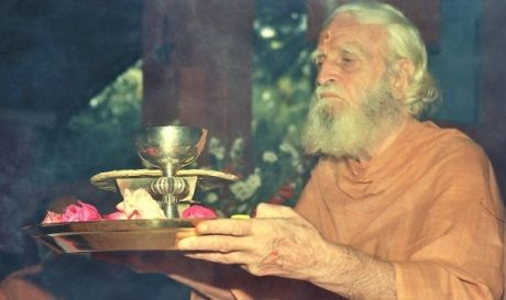 Bede Griffiths alias Swami Dayananda)