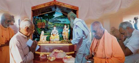 Gujarat CM Modi at at Ram-Shabari shrine in Dang District.