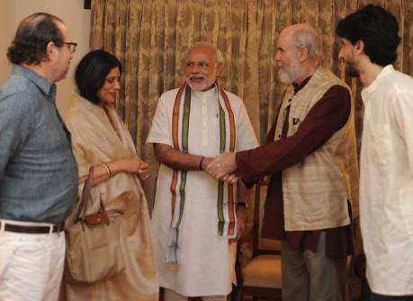 David Frawley with Narendra Modi (2015)