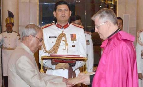 Indian President Pranab Mukherjee receives Vatican Ambassador Giambattista Diquattro