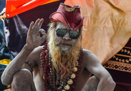Sadhu blesses devotees at Kumbh (2019)