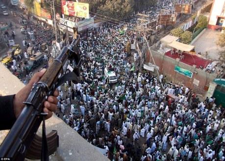 Muslims celebrate in Mumbai