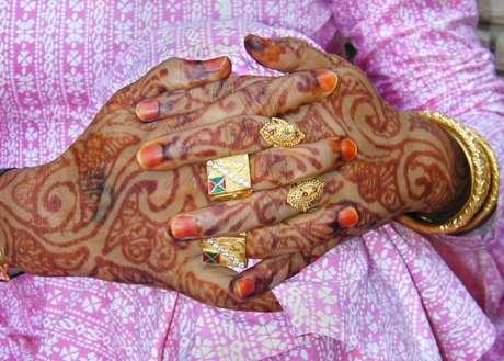 Hijra Hands