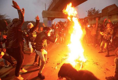 Students riot in New Delhi